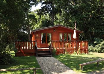 Fritton-Lake-Woodland-Lodges