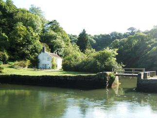 Click here for more about Pont Quay Cottage