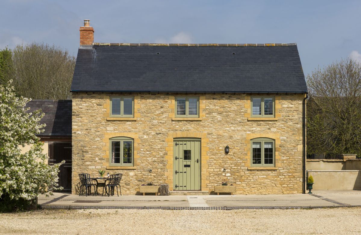 Click here for more about Alysas Cottage