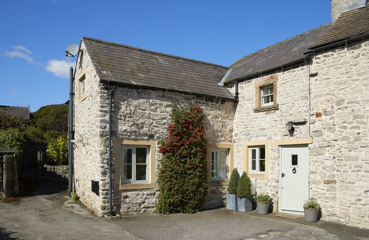 Click here for more about Sunnylea Cottage