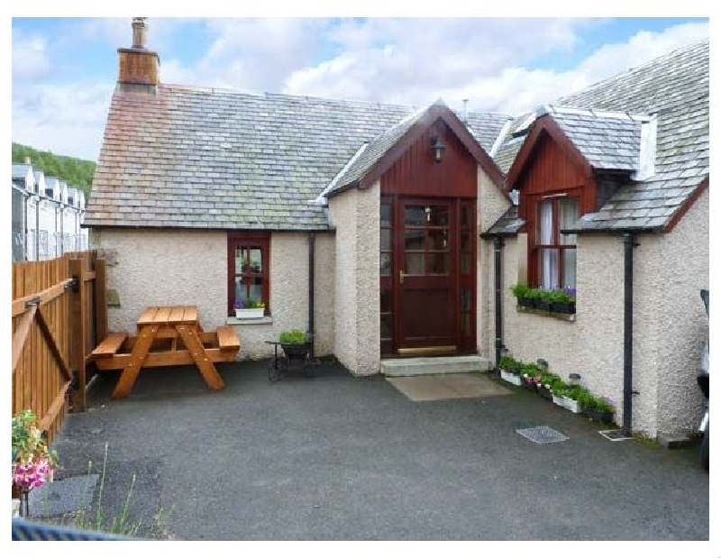 Click here for more about Castleton Cottage