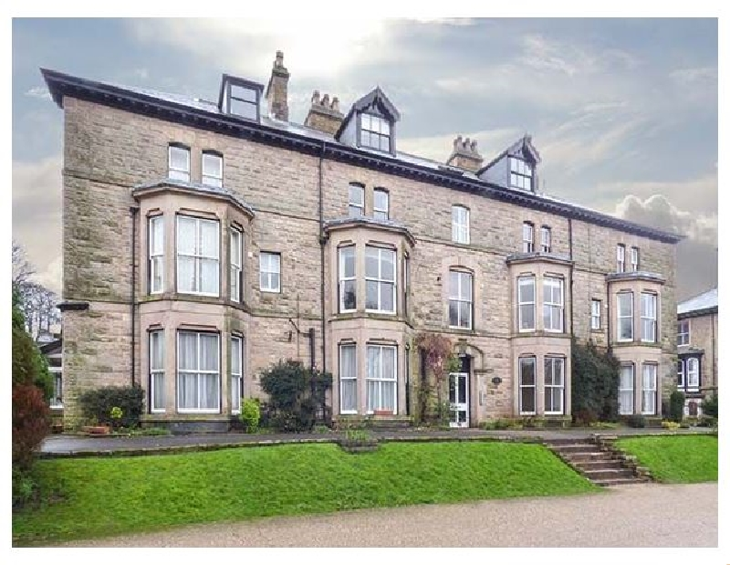 Click here for more about Flat 13 Sandringham Court