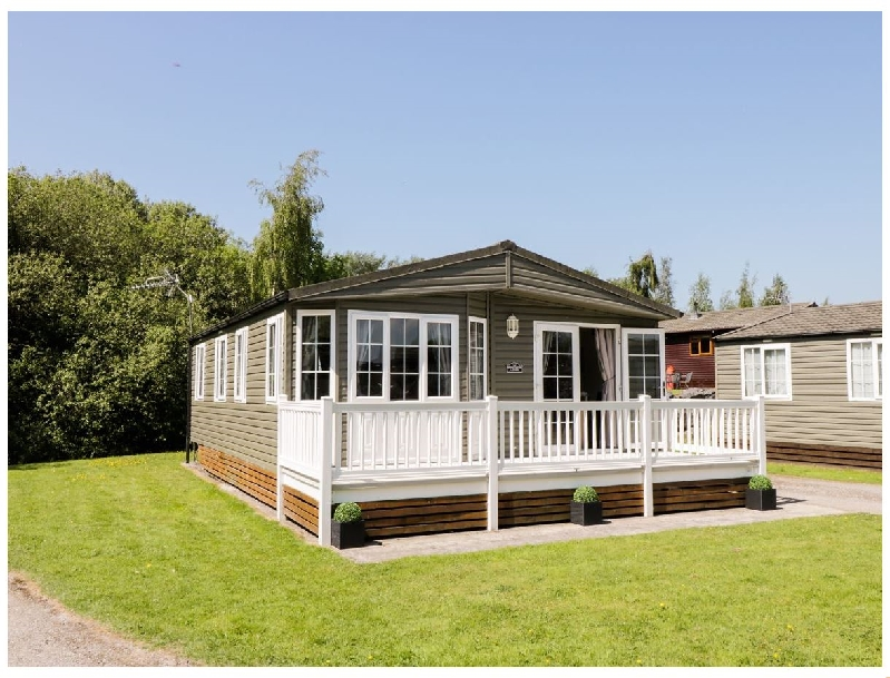 Click here for more about 15 Silverdale