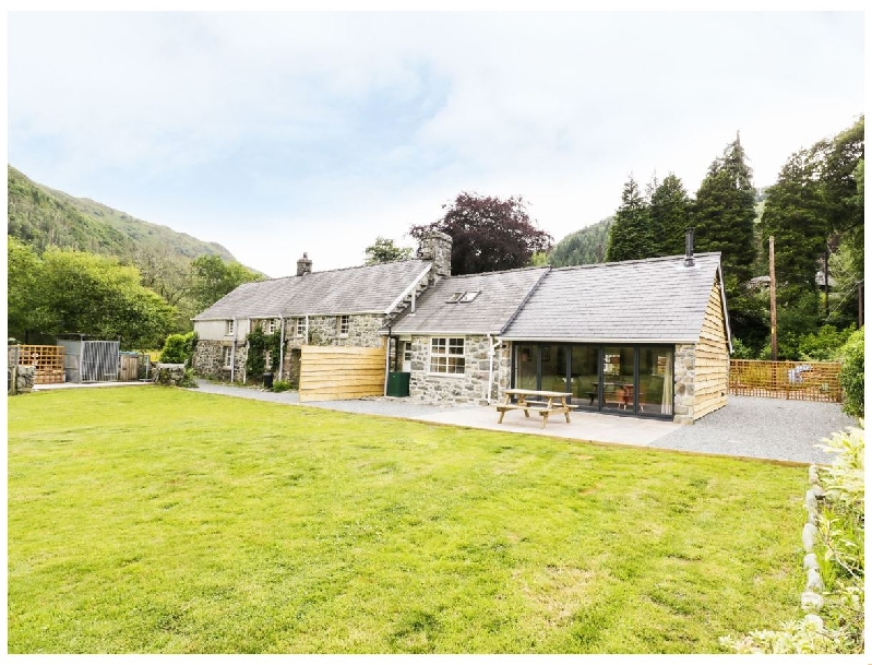Click here for more about Hen Gelligemlyn - The Annexe