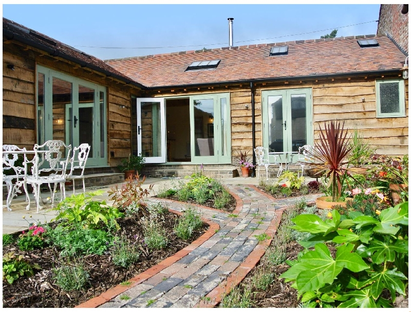Click here for more about Nest Holiday Hideaway | Wren Cottage