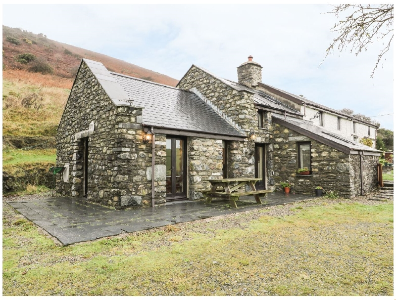 Click here for more about Nant-y-Pwl Cottage