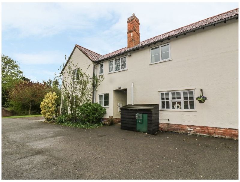 Click here for more about Pound Farm Annexe