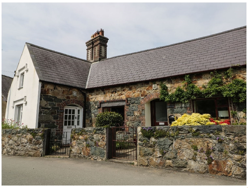 Click here for more about Gwalia- 2 Crescent Llandwrog