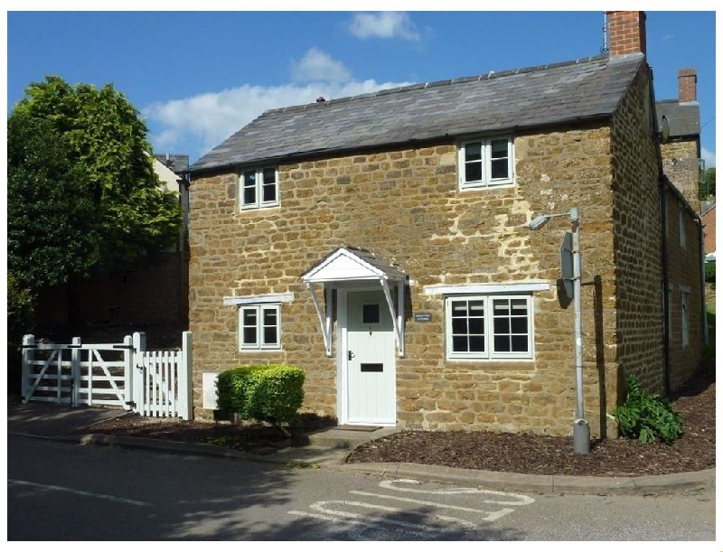 Click here for more about Hollytree Cottage