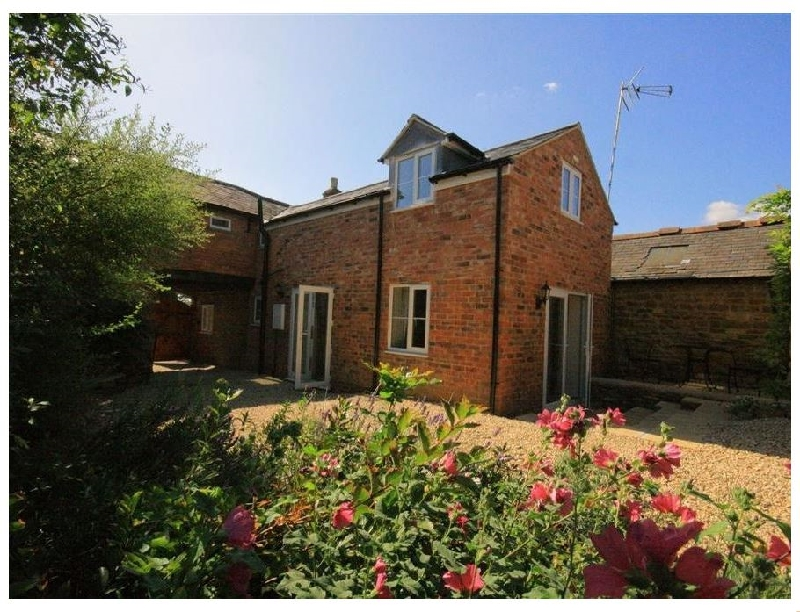 Click here for more about Lavender Cottage- Brailes