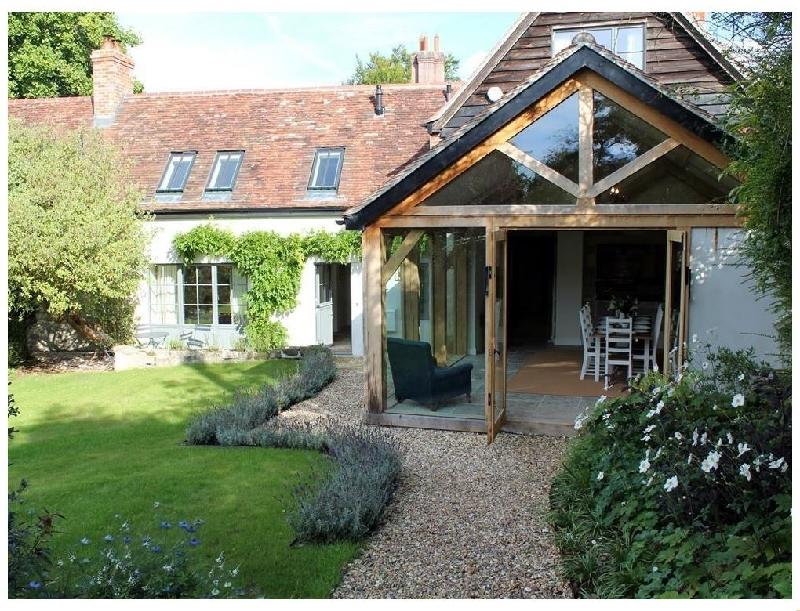 Click here for more about Kings Cottage - South