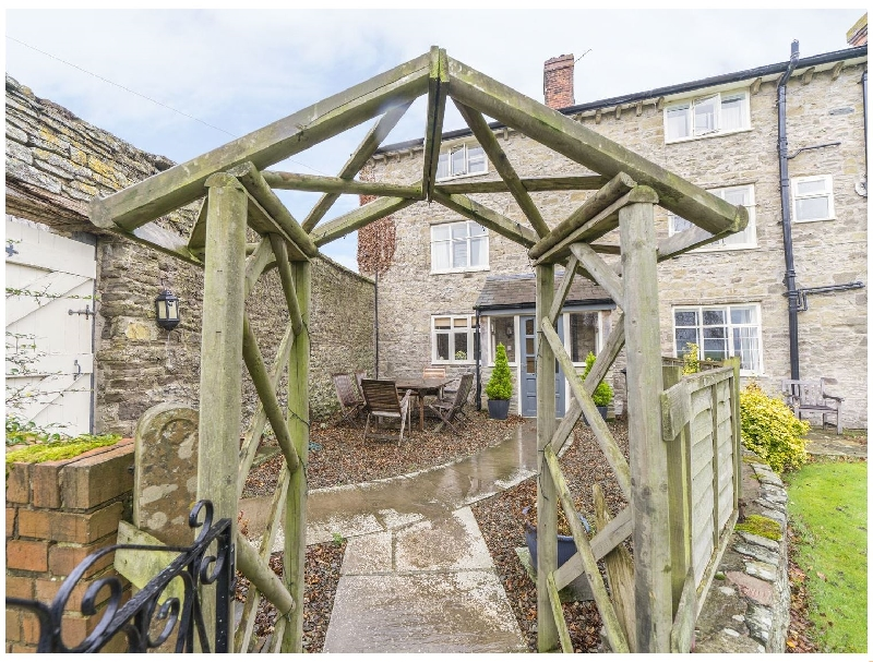 Click here for more about Rowton Manor Cottage