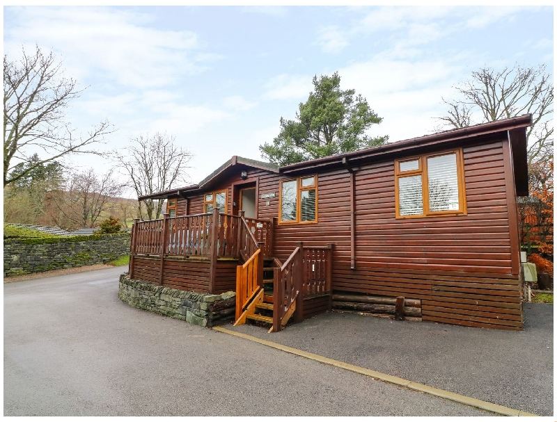 Click here for more about Lakeland Lodge