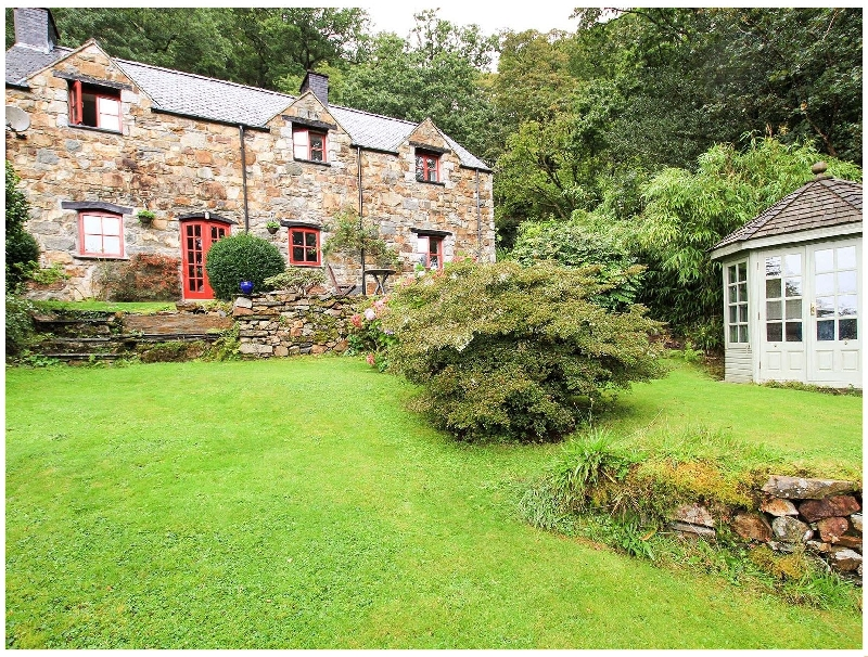 Click here for more about Ty Coch Maentwrog