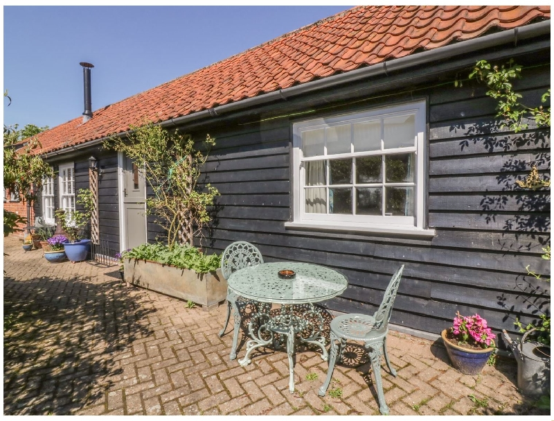 Click here for more about Courtyard Cottage- Poplar Farm Barn