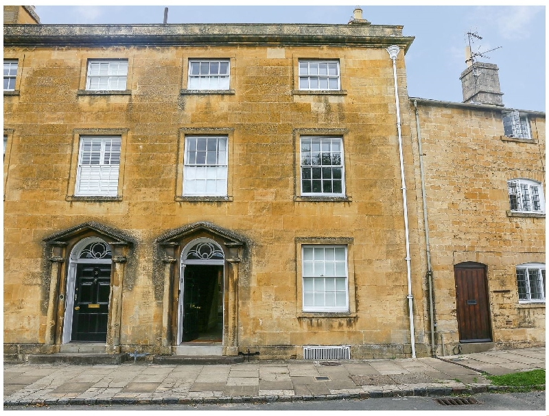 Click here for more about 4 Maidens Row