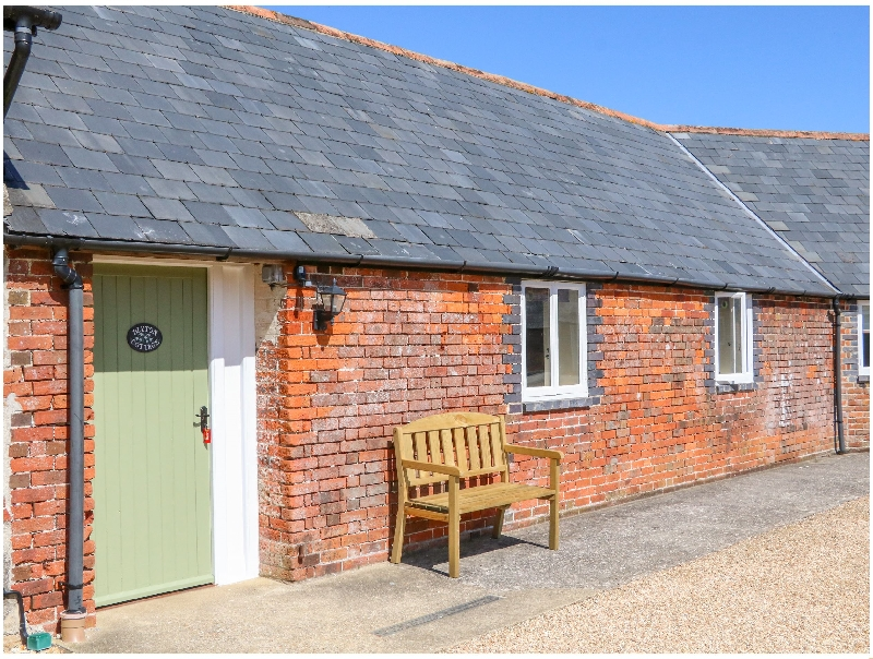 Click here for more about Blyton Cottage