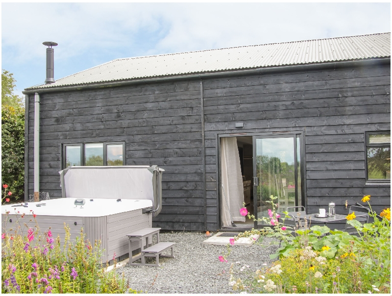 Click here for more about The Pig Shed  -Sty 2