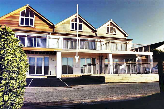 Click here for more about 1 Lower Sandbanks