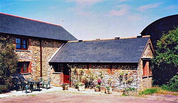 Click here for more about Bowood Farm, Corn House