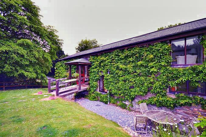 Click here for more about Pond Cottage