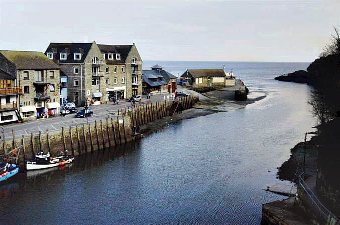 Click here for more about Quayside Flat