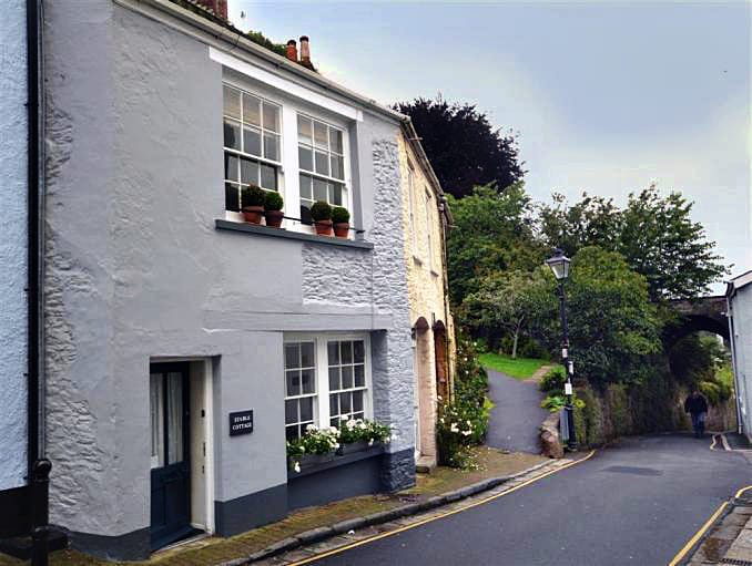 Click here for more about Stable Cottage (Totnes)