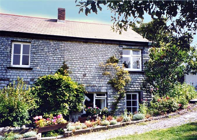 Click here for more about Woodclose Cottage