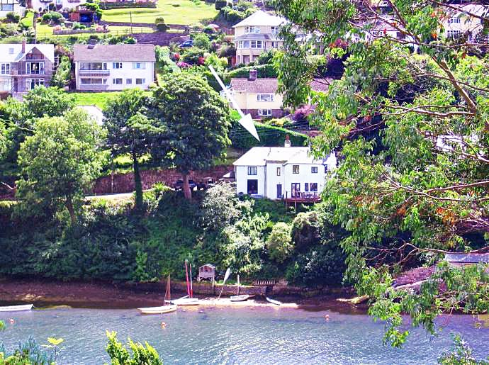 Click here for more about Yew Tree Cottage Noss Mayo